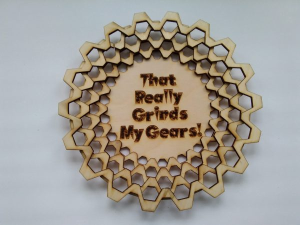 "Dice Tray (Large) - 20 - Tooth Gear with ""That Really Grinds My Gears"" engraving - Stair Formation"