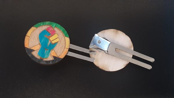 Hair Clip: Peace, Power and Pride theme. Aromantic